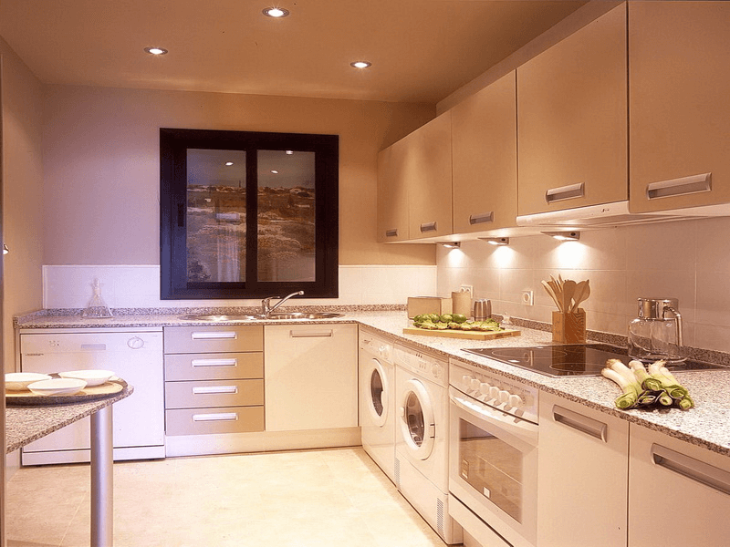 Kill sunshine effect for small kitchen lighting