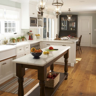 Kitchen Island with Long Slender Design