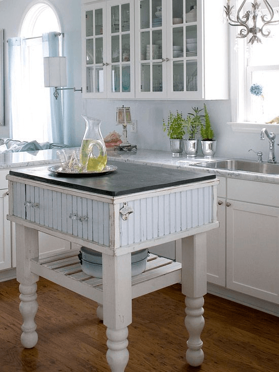 Kitchen island with the vintage style