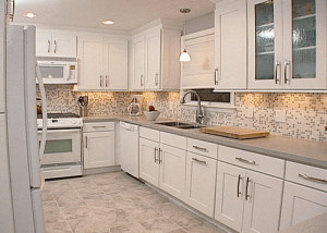 Neutral backsplash for small kitchen