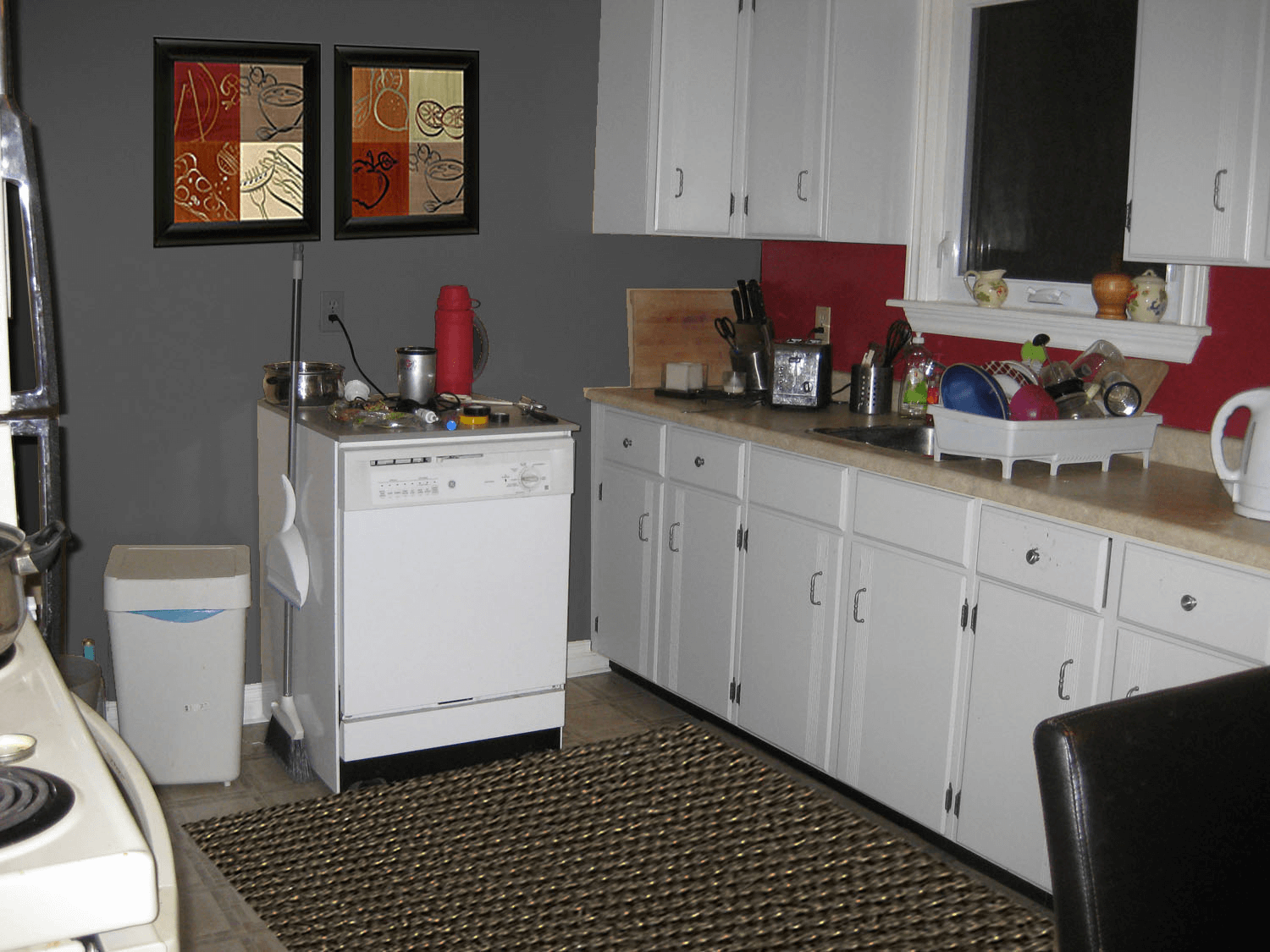 Grey and combine with other color for small kitchen