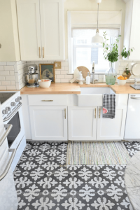 Small kitchen floor tile ideas