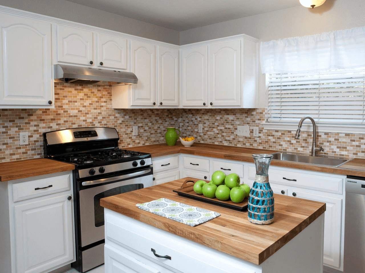 12 Small Kitchen Remodel on a Budget | Small Kitchen Guides