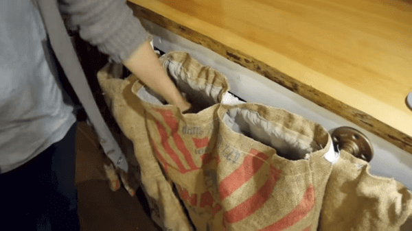 POCKETS AND BAGS KITCHEN CABINET IDEAS FOR TINY HOUSE