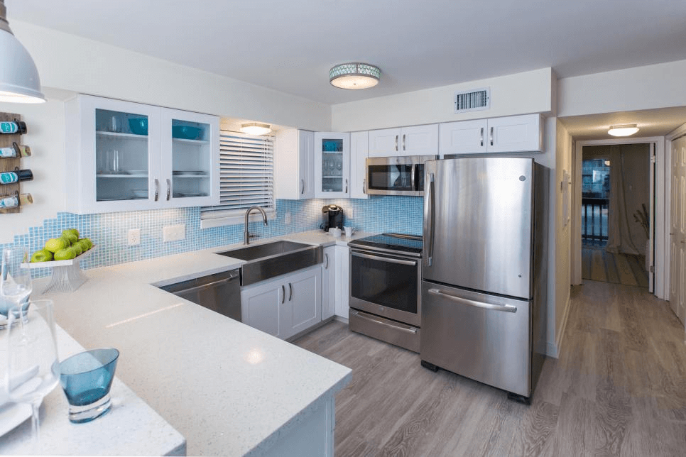 WHITE CABINET BLUE BLACKSPLASH SMALL KITCHEN REMODEL IDEAS