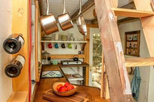 HANGING STORAGE TINY HOUSE KITCHEN ORGANIZING IDEAS