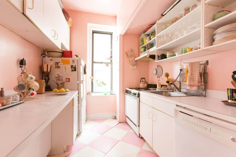 APARTMENT KITCHEN COLOR SCHEMES IDEAS WITH LIGHT PINK FOR PARISIAN FEELING