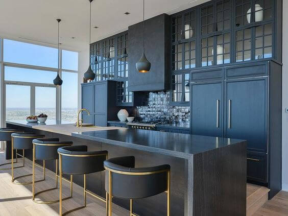 BRASS AND BLACK APARTMENT KITCHEN COLOR SCHEMES IDEAS