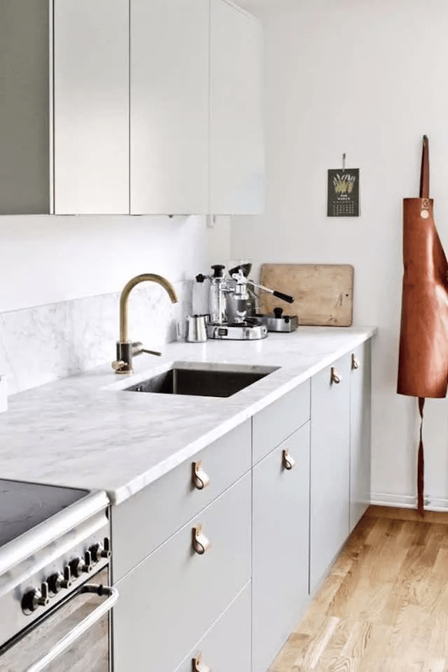 LEATHER CABINET PULLS IDEAS FOR APARTMENT KITCHEN DECOR ON A BUDGET