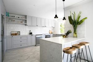 LIGHT GREY AND WHITE APARTMENT KITCHEN COLOR SCHEMES IDEAS