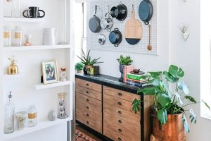 PEGBOARD IDEAS TO ORGANIZE YOUR APARTMENT KITCHEN