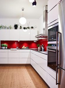 RED ON WHITE APARTMENT KITCHEN COLOR SCHEMES IDEAS
