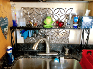 SIMPLE SHELF RIGHT OVER THE SINK IDEAS FOR APARTMENT KITCHEN ORGANIZATION
