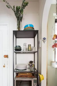 VERTICAL RACK IN ADJOINING FOR APARTMENT KITCHEN ORGANIZING IDEAS