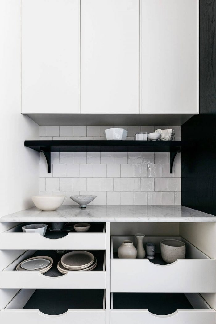 APARTMENT KITCHEN STORAGE IDEAS DINNERWARE IN DRAWERS