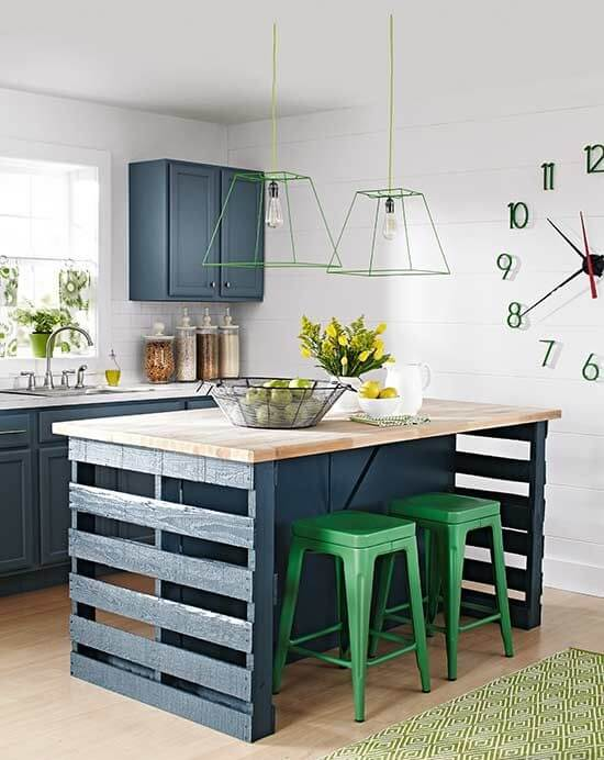 HIGHLIGHT WITH GIANT FIXTURES SMALL APARTMENT KITCHEN DESIGN IDEAS