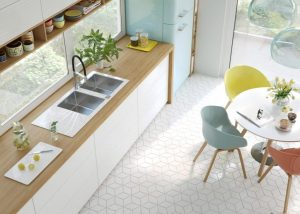 MINIMALIST AND CHICK APARTMENT KITCHEN DESIGN IDEAS WITH BITCHER BLOCK COUNTERTOPS