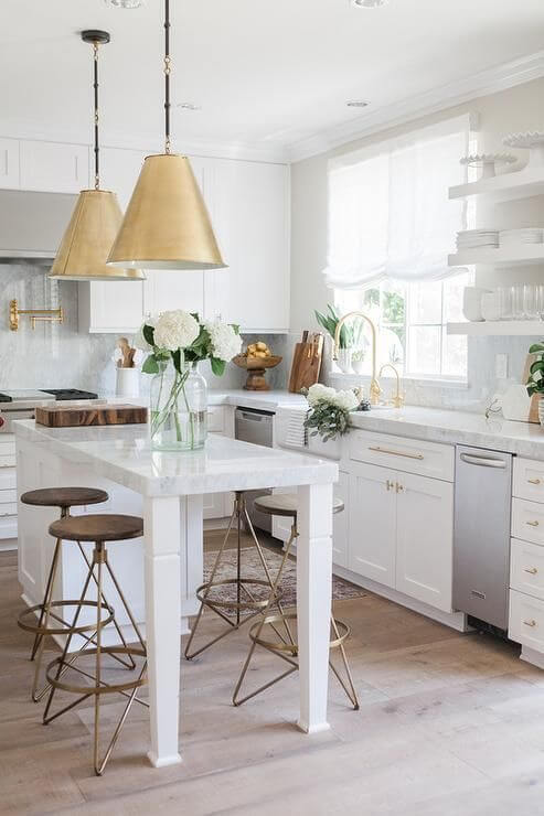 WHITE AND GOLD MODERN APARTMENT KITCHEN DESIGN IDEAS WITH METAL