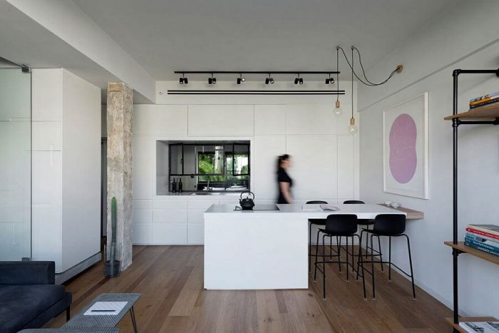 MINIMAL APARTMENT KITCHEN AND DINING TABLE ROLLED INTO ONE