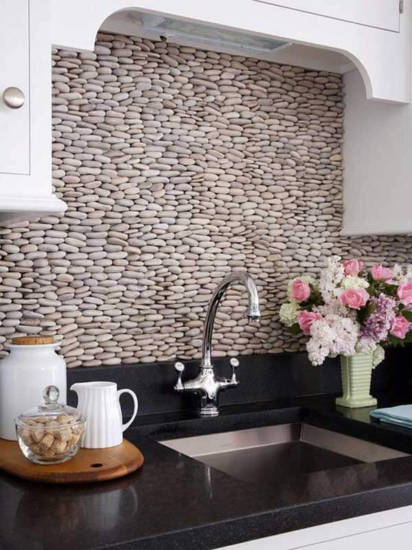 STONES ON THE WALL FOR APARTMENT KITCHEN DECORATION IDEAS