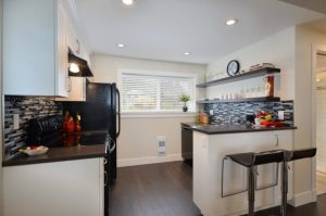 BASEMENT APARTMENT KITCHEN MAKEOVER IDEAS WITH BREAKFAST AREA