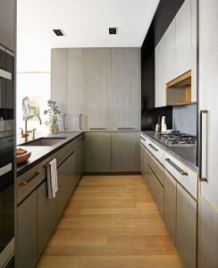 OPEN AND AIRY GALLEY KITCHEN DESIGN IDEAS