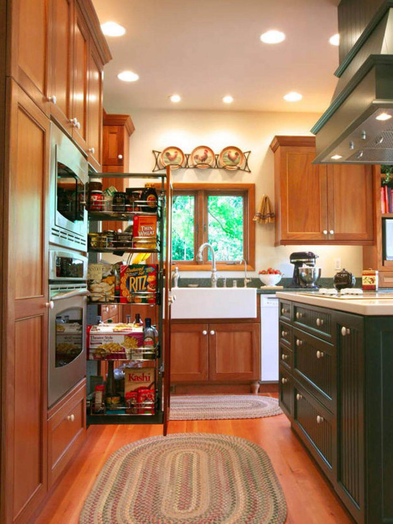 ORIGINAL COUNTRY KITCHEN CABINET PULL OUT PANTRY