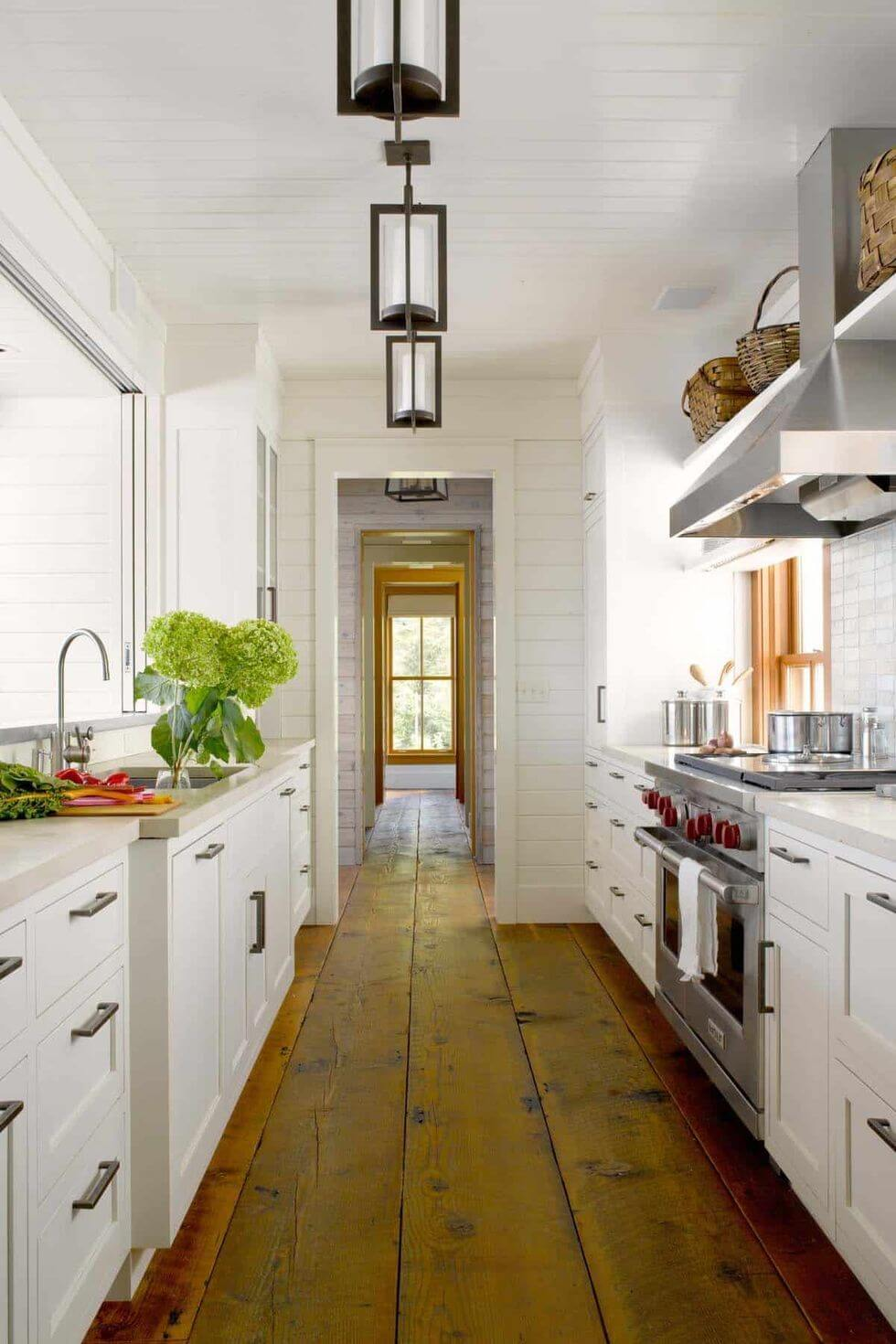 RUSTIC TRADITIONAL GALLEY KITCHEN DESIGN IDEAS