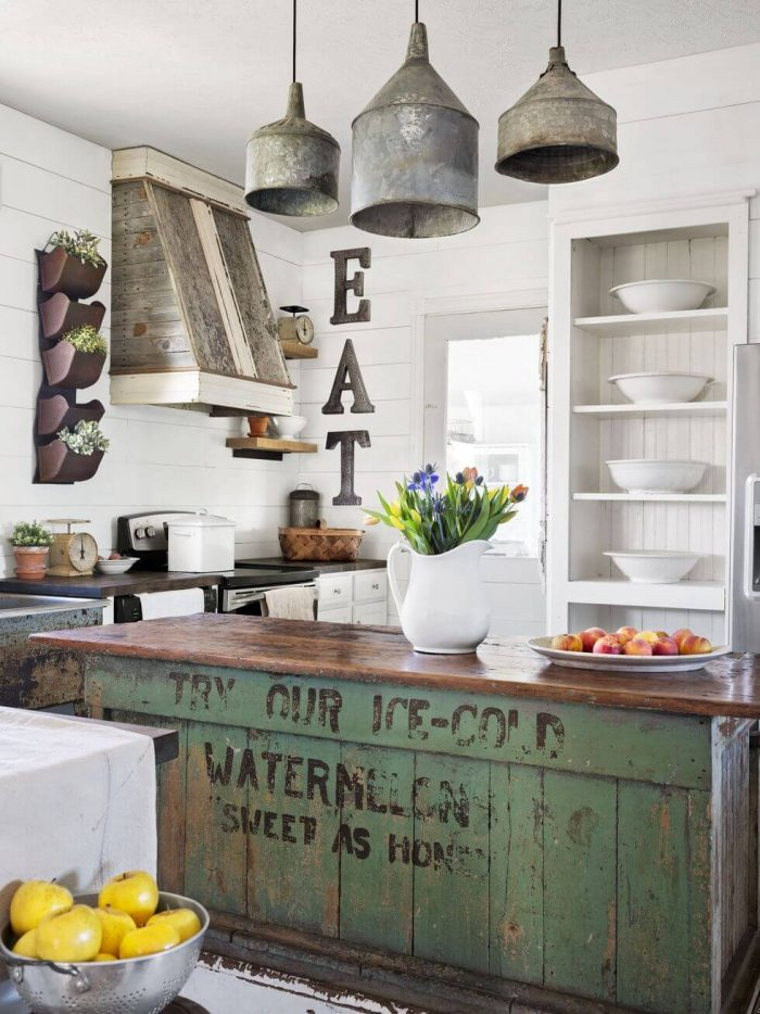 REPURPOSED FARMHOUSE SMALL KITCHEN IDEAS