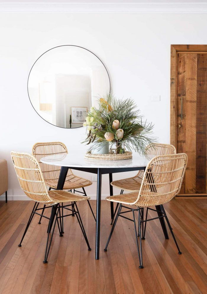 Small Round Kitchen Table, Small Round Dining Table Decorating Ideas
