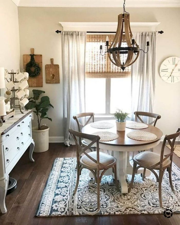 SMALL ROUND KITCHEN TABLE DECORATION TIPS