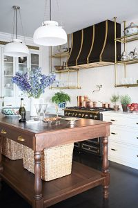 VINTAGE SMALL FRENCH COUNTRY KITCHEN