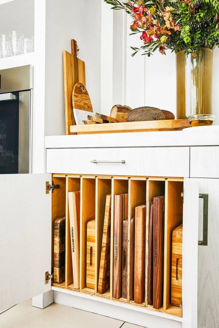 SMALL KITCHEN CUTTING BOARD SHELVES FOR LIMITED SPACE