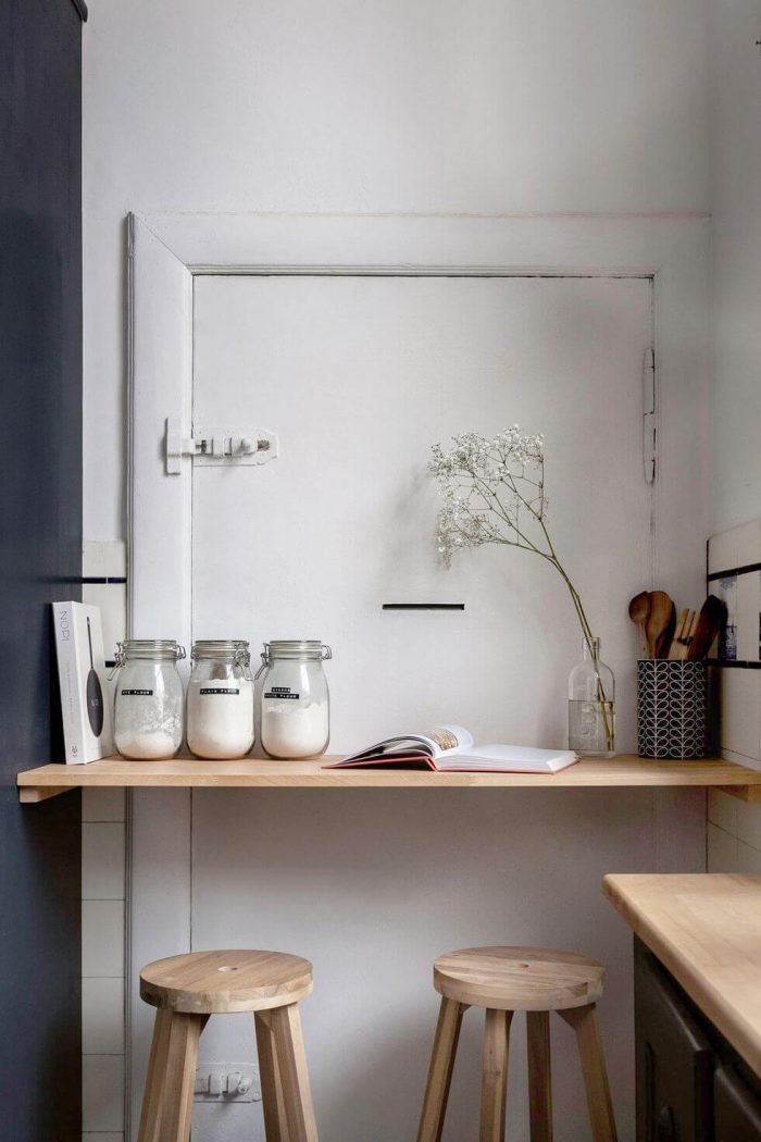 SMALL KITCHEN SHELVES AND BIG CONTAINER