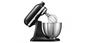3,3 Liter is Enough for This Stand Mixer from KitchenAid