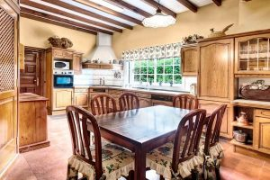 SMALL CABIN KITCHEN IDEAS THOSE ARE WORTH TO TRY