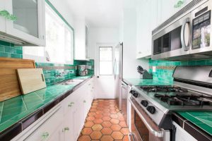 SMALL GALLEY KITCHEN IDEAS ON A BUDGET WITH SMALL TILE