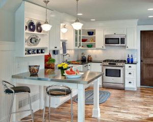 SMALL KITCHEN WITH PANINSULA MIX DINING TABLE FOR MORE SPACE