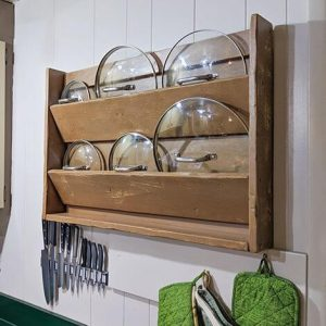 LIDS ORGANIZER TO STORE POTS AND PANS IN A SMALL KITCHEN