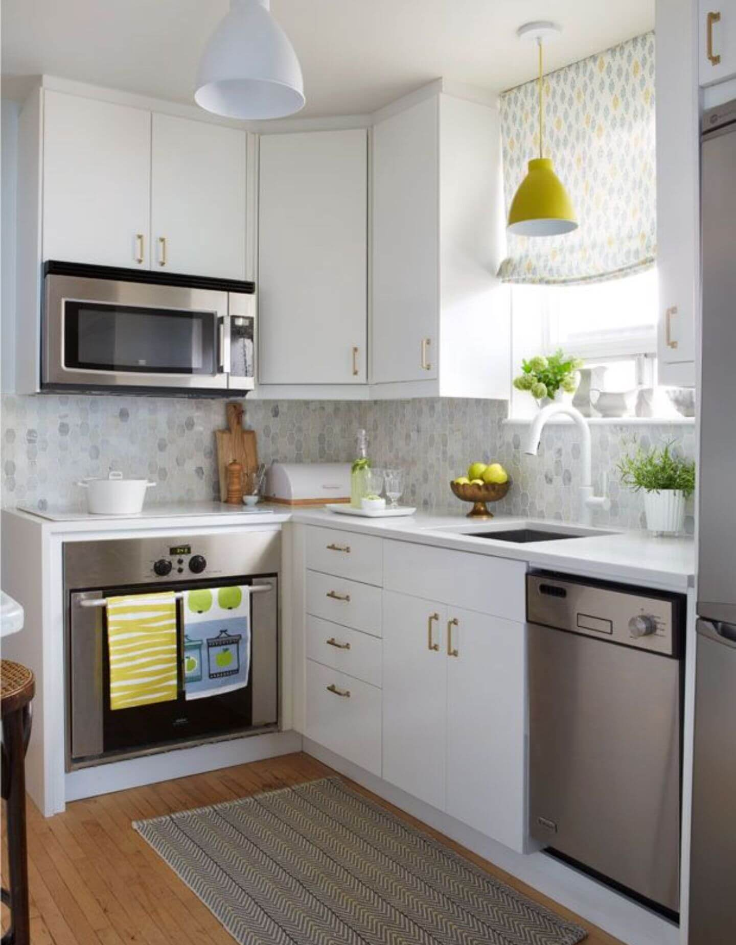 SIMPLE WHITE L SHAPED KITCHEN DESIGNS FOR SMALL KITCHENS